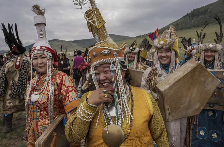 Shamanskie-ritualy-v-Mongolii 7