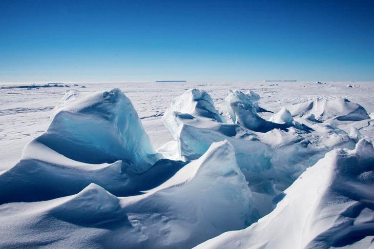 Самое холодное место на Земле – это высокий хребет в Антарктиде