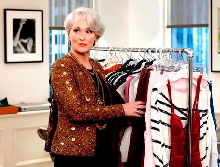 Оттенки в одежде, которые делают женщину моложе