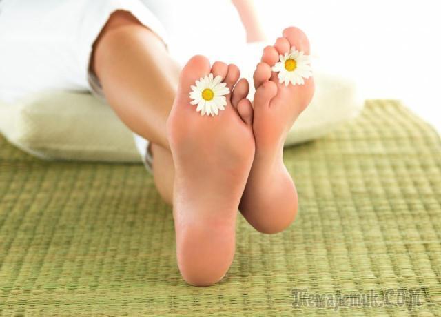 Болят шишки на ногах у большого пальца: способы лечения